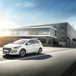 Hyundai_i30_Driving_01f